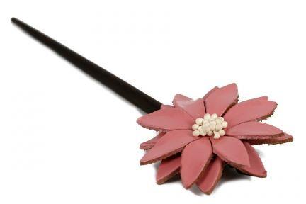 Pic fleur pour cheveux
