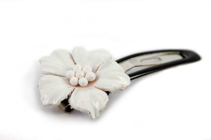 56638976ff9b6 Accessoires cheveux blanc pour coiffure