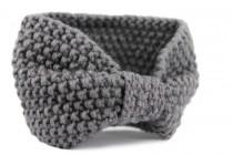 Bandeau en laine gris torsadé en tricot