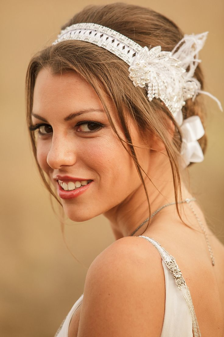 coiffure de mariage avec headband. Black Bedroom Furniture Sets. Home Design Ideas