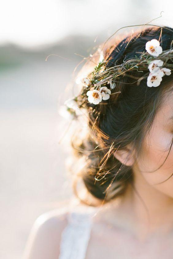 Quelle fleur mettre dans les cheveux ?