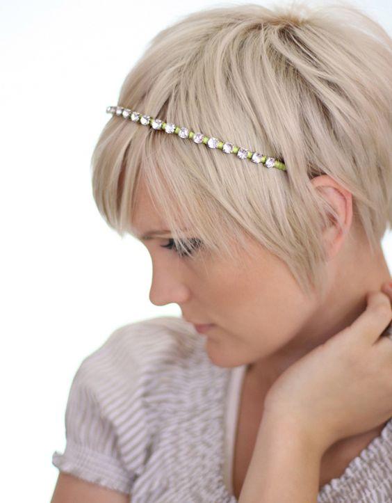 Idees Coiffure Pour Se Coiffer Avec Bandeau Cheveux Courts Et Tres