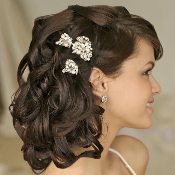 des ides de coiffure de mariage avec des cheveux boucls - Coiffure Mariage Cheveux Mi Long Lachs