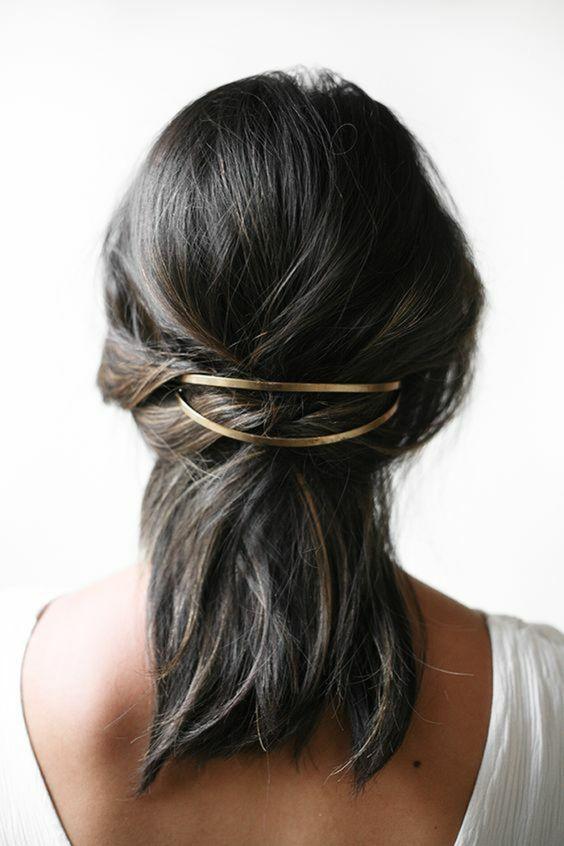 style limité prix favorable produits chauds Comment mettre pince barrette cheveux ?