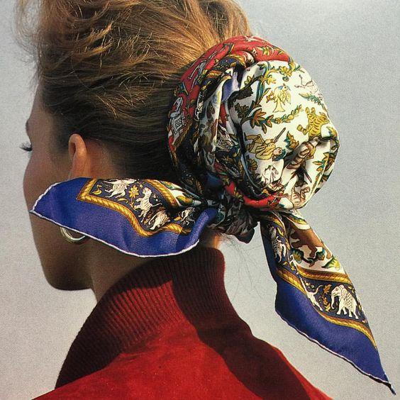 mettre foulard dans les cheveux