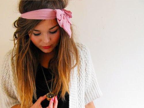 Comment se coiffer avec un headband cheveux long