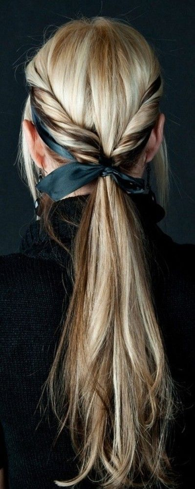 coiffure queue cheval originale foulard