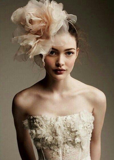 Idee coiffure mariage avec chapeau