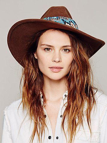 porter un foulard chapeau