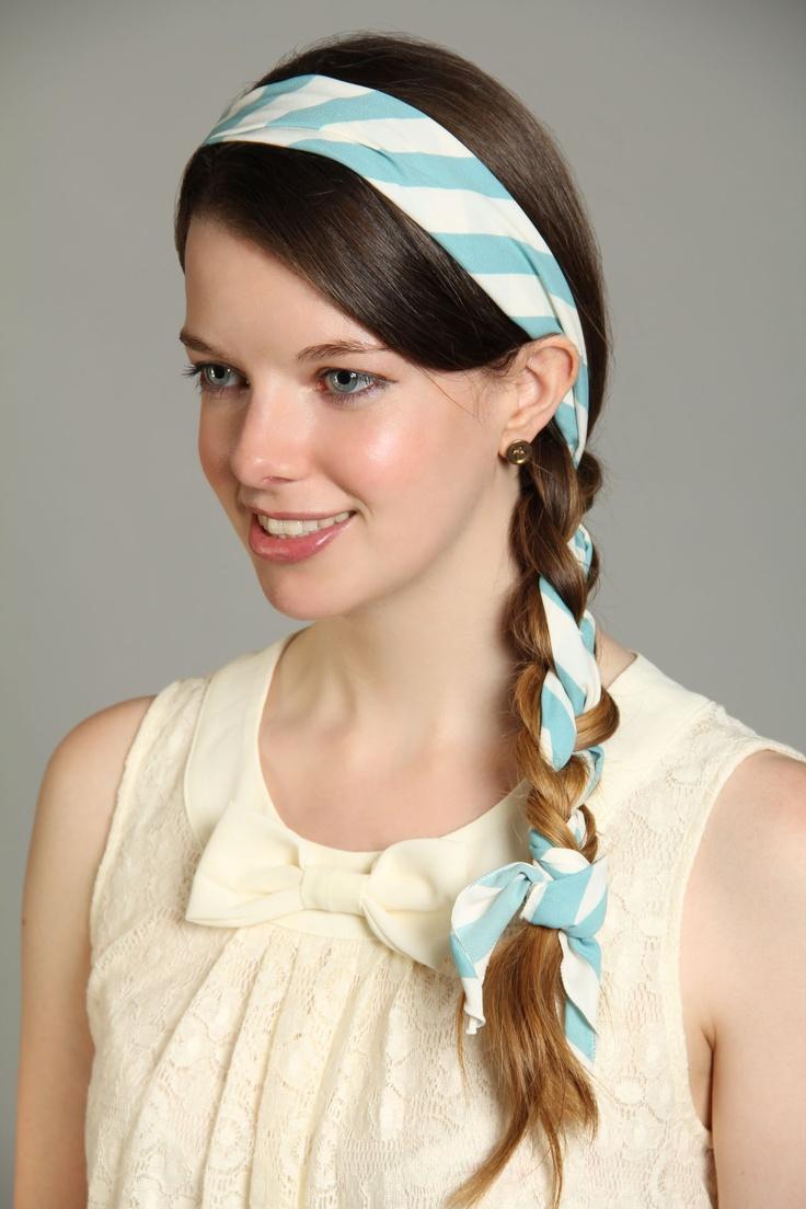 coiffure avec foulard une coiffure avec un foulard nou with coiffure avec foulard coiffure. Black Bedroom Furniture Sets. Home Design Ideas