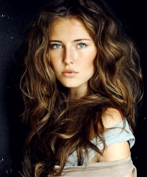 coiffure cheveux epais ondules
