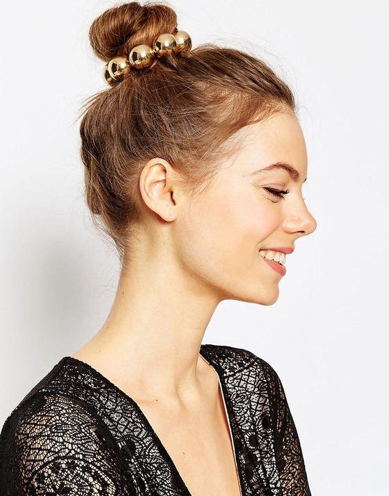 comment faire tenir cheveux en arriere