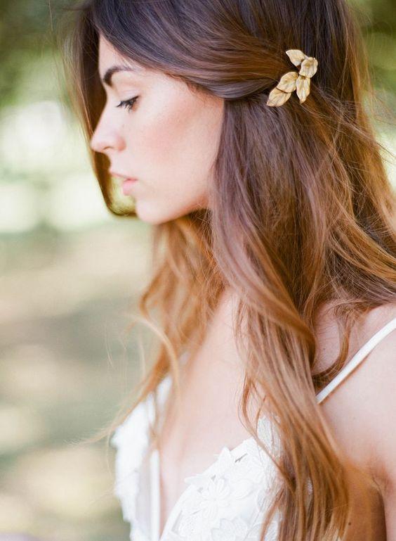 Comment mettre une barrette peigne dans ses cheveux