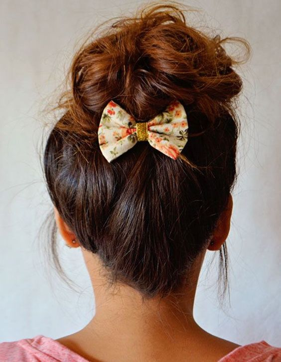 idee coiffure barrette cheveux nœud